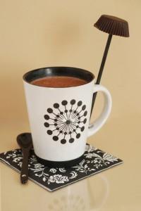 Mugg m chokladmjölk och klubba pict artistic